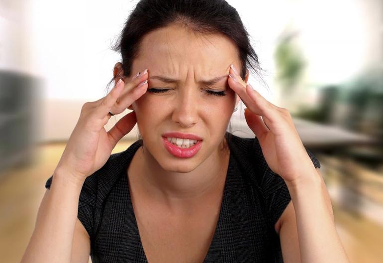 Почему в глазах темнеет: все возможные причины и способы лечения