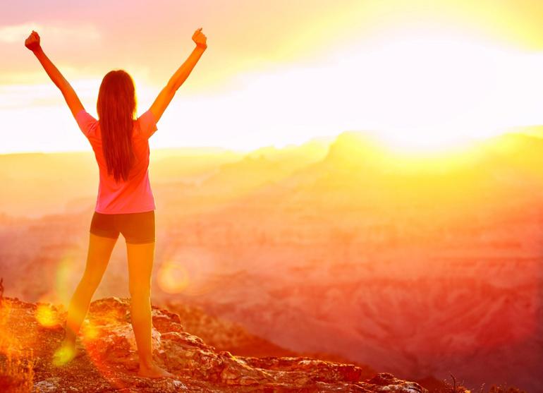 солнце излучает инфракрасные и ультрафиолетовые лучи