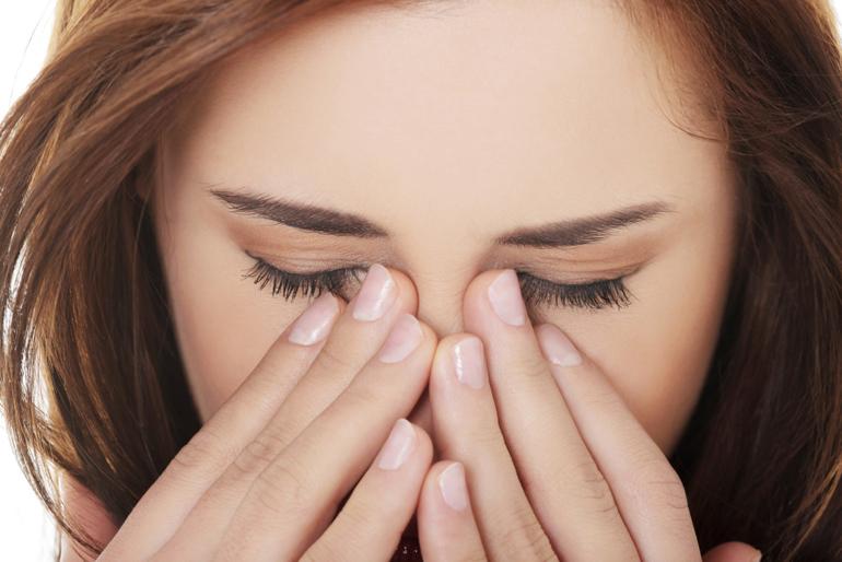 боль в области глаз