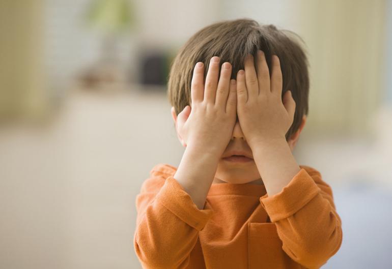 первая помощь ребенку при ударе в глаз