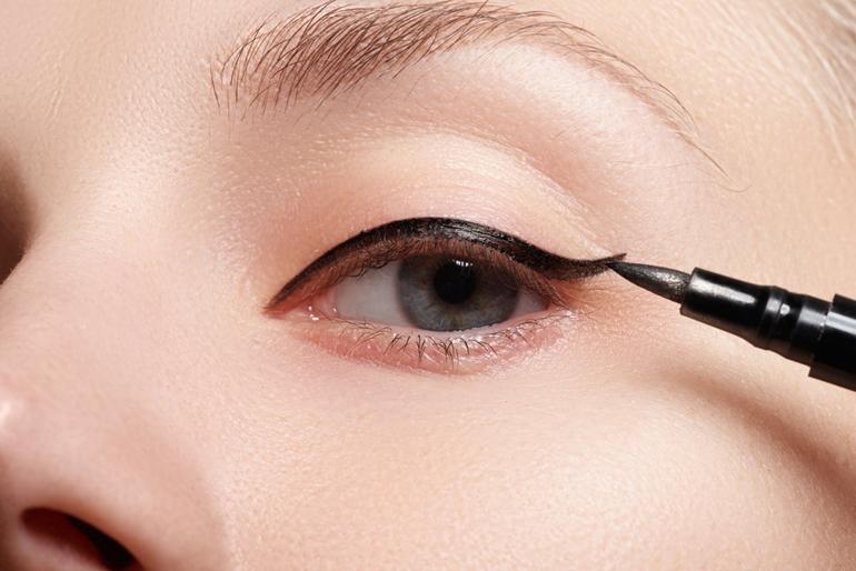 «стрелки» на глазах