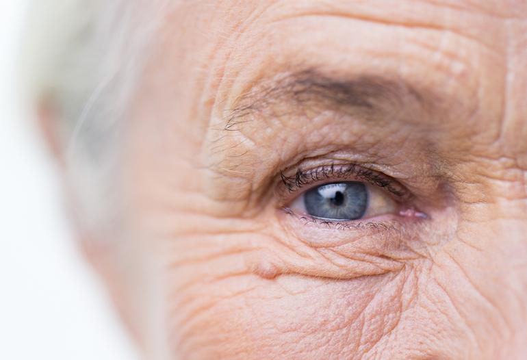 ухудшение зрения у людей старше 60