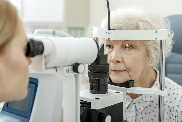регулярные визиты к офтальмологу