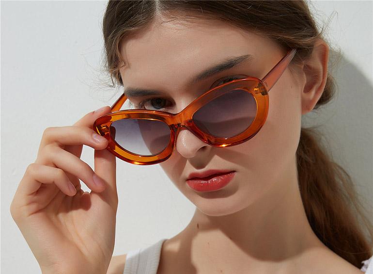очки «кошачий глаз»