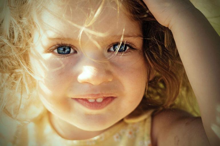цвет глаз у ребенка