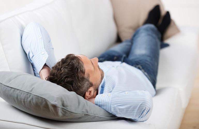 желательно соблюдать постельный режим